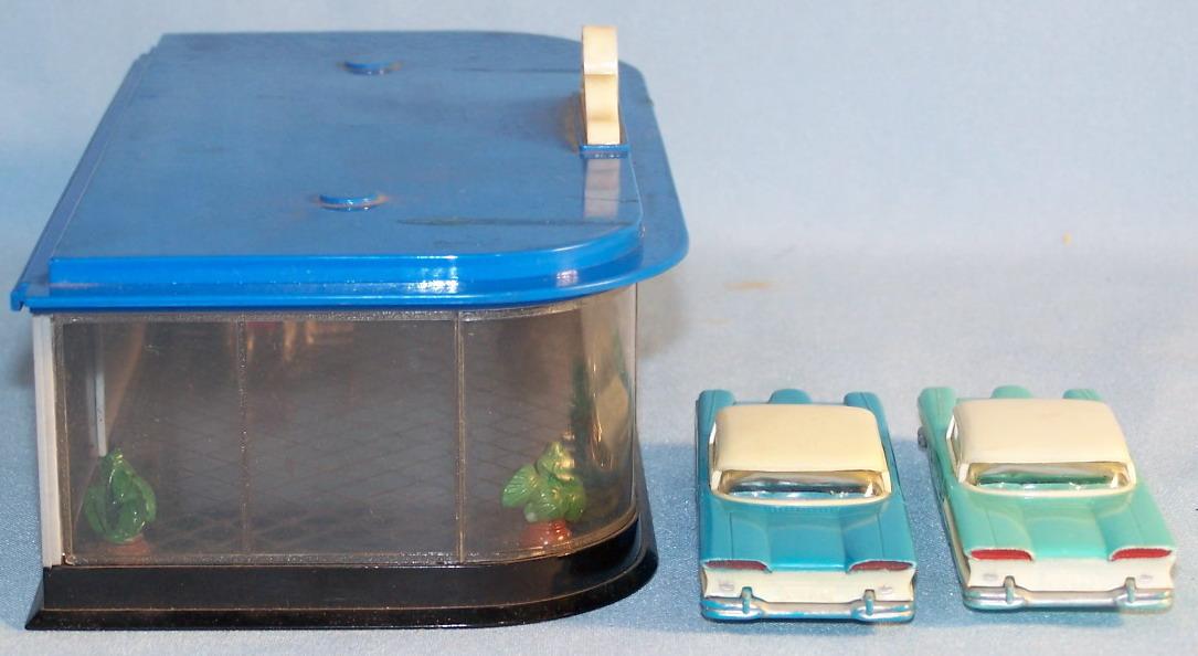 siku v591 autosalon mit 2 ford edsel 50 60er original im. Black Bedroom Furniture Sets. Home Design Ideas