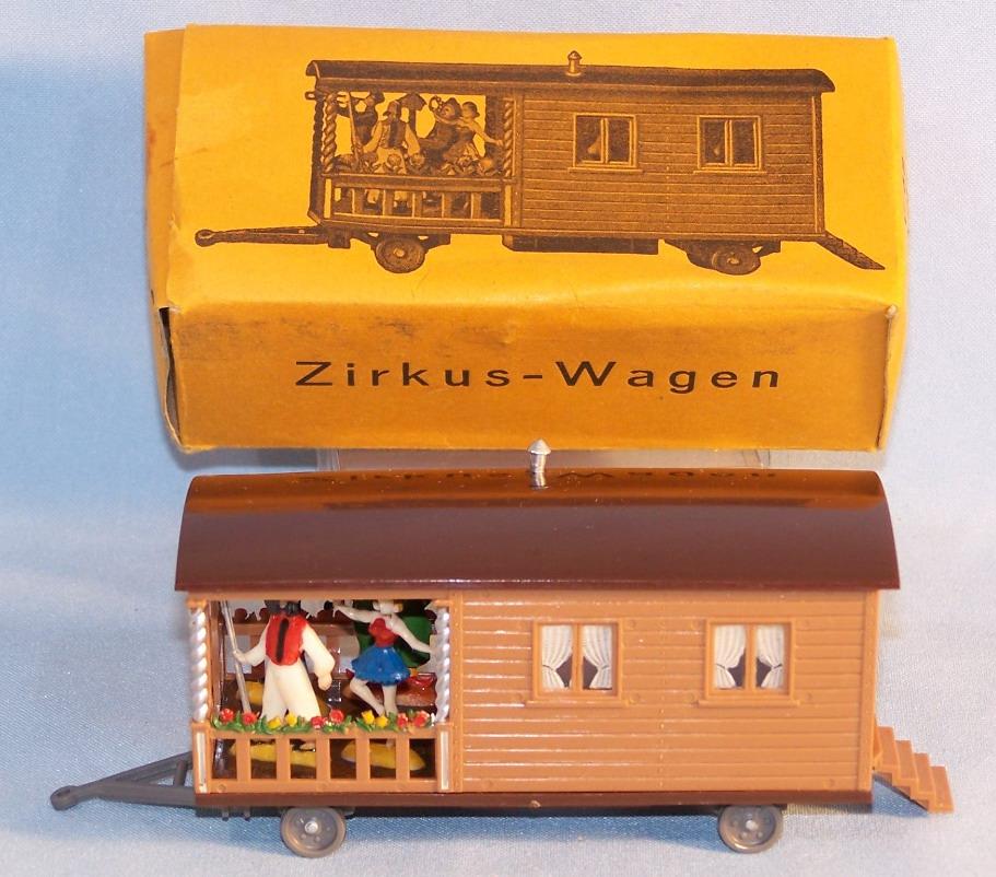 siku v68 zirkus wohnwagen 50 60er original im ok 26208. Black Bedroom Furniture Sets. Home Design Ideas